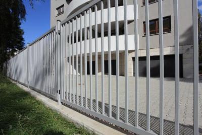 Palissadstängsel industri och kontor