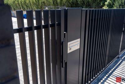 multifunktionella staketstolpar